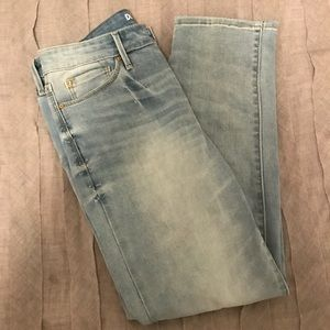 HIGH RISE, LIGHT WASH, ANKE STRAIGHT JEANS